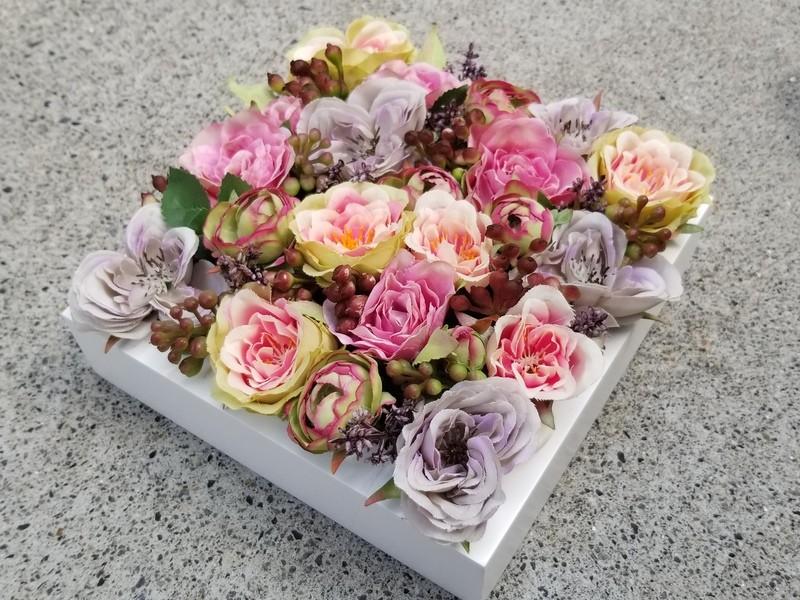 枯れないお花☆高級フラワーBOX!贈り物にもオススメです♫の画像