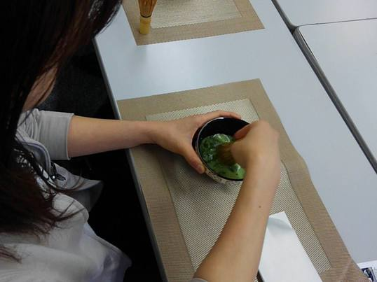抹茶でおもてなし(テーブル茶道)の画像