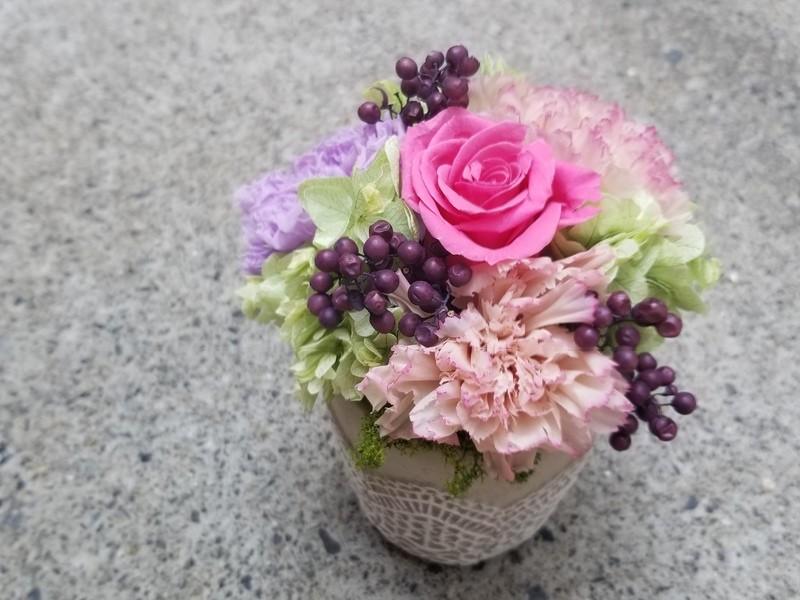 本物のお花☆母の日に贈ろう☆高級プリザーブドフラワーアレンジメントの画像