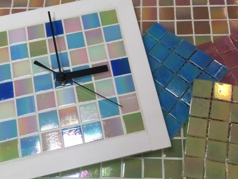 【親子DIY教室】ガラスタイルでつくる壁掛け時計の画像
