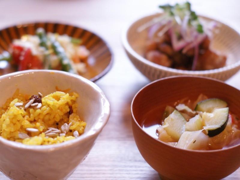 野菜が主役のナチュラルで美しい食卓。ベジタリアン料理・自然食教室の画像