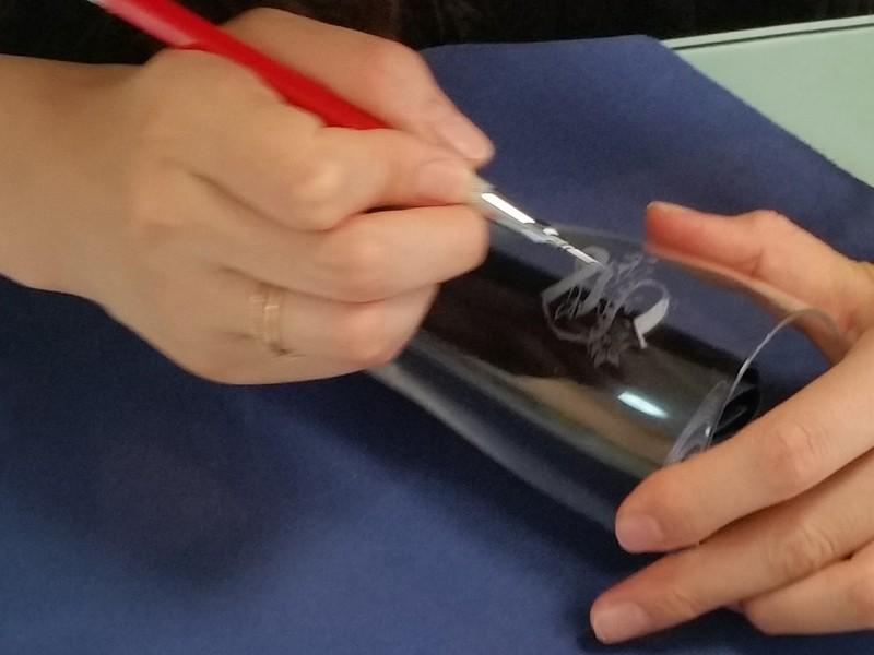 初めてのグラスリッツェン 小皿にうさぎと和文様を彫るの画像