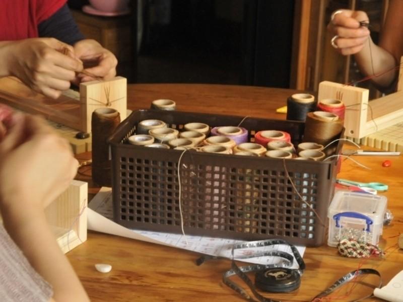 マクラメ編み・3色選べるブレスレットA・斜め巻き結び編の画像