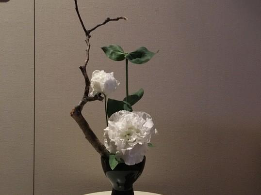 カジュアル 生け花の画像