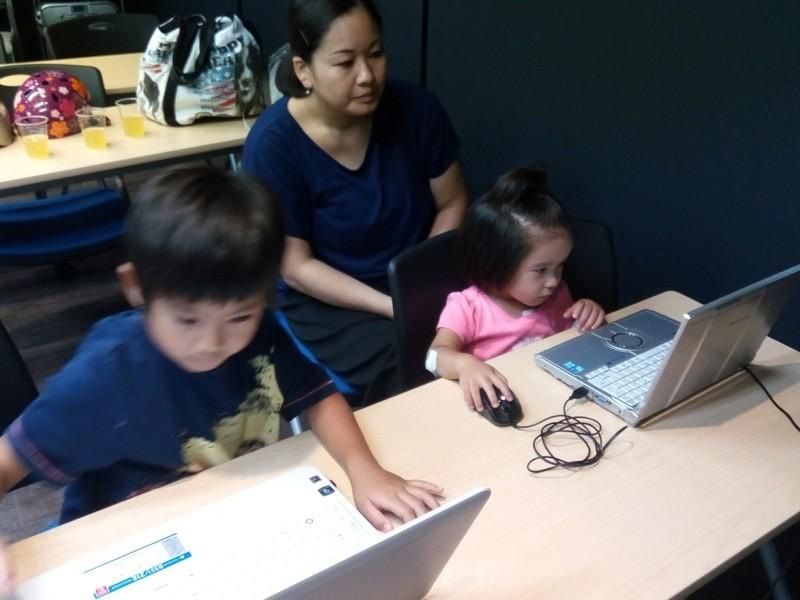 小中学生向けのプログラミング教室の画像