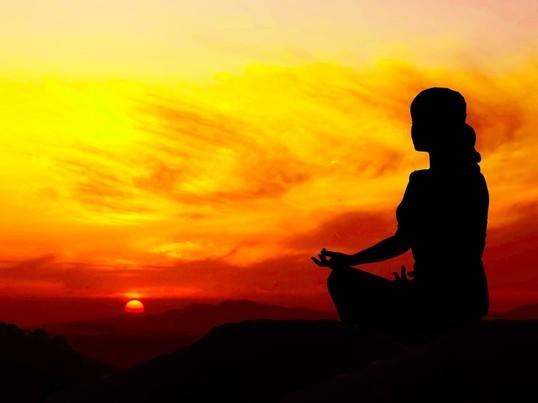 ルーシーダットン瞑想!ストレッチ+マッサージ効果+瞑想でリラックスの画像