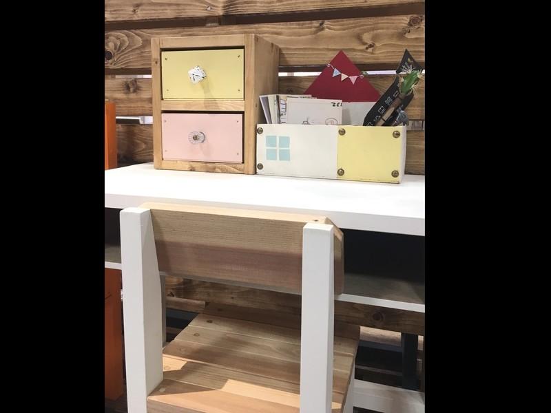 机まわりのお片付け②~おうち型のペン&カードBOXの画像