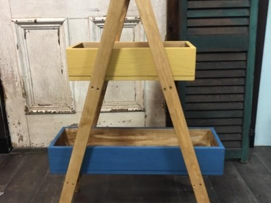 2段BOXのA型シェルフの画像