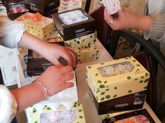手作りのプレザーブドフラワーをプレゼント出来るレッスンの画像