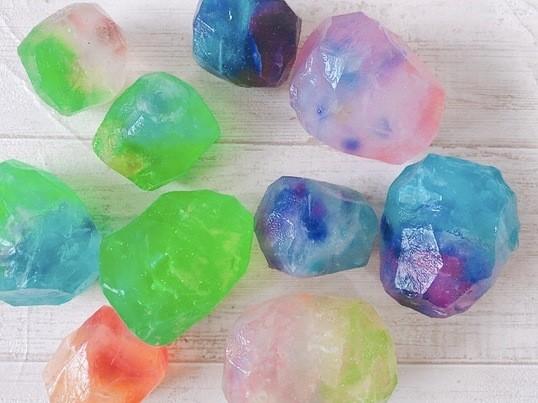 つるつるキラキラ♪宝石のような石けん作り体験☆の画像