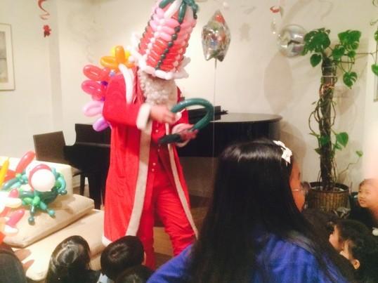 親子向け クリスマスバルーン装飾教室の画像
