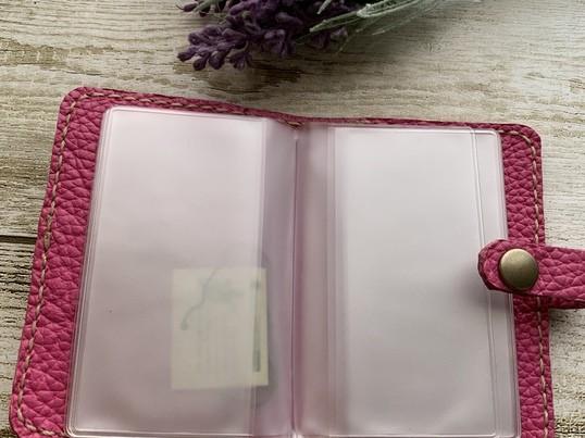 本革、手縫いのカードケース作りの画像