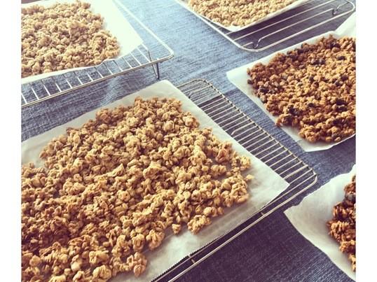 お菓子作り初心者でも簡単𓎩グラノーラ2種類♩お茶菓子付きの画像
