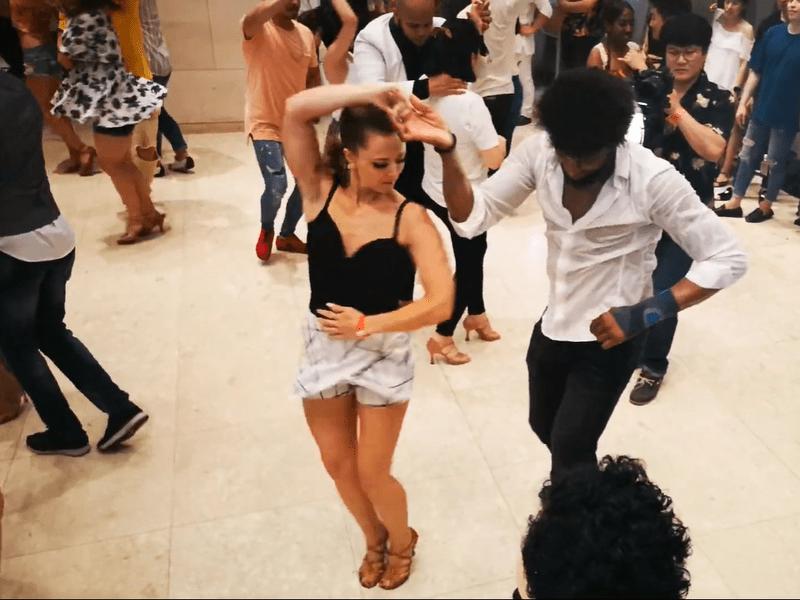 オンラインレッスン「初めてのラテンダンス・サルサ・バチャータ」の画像