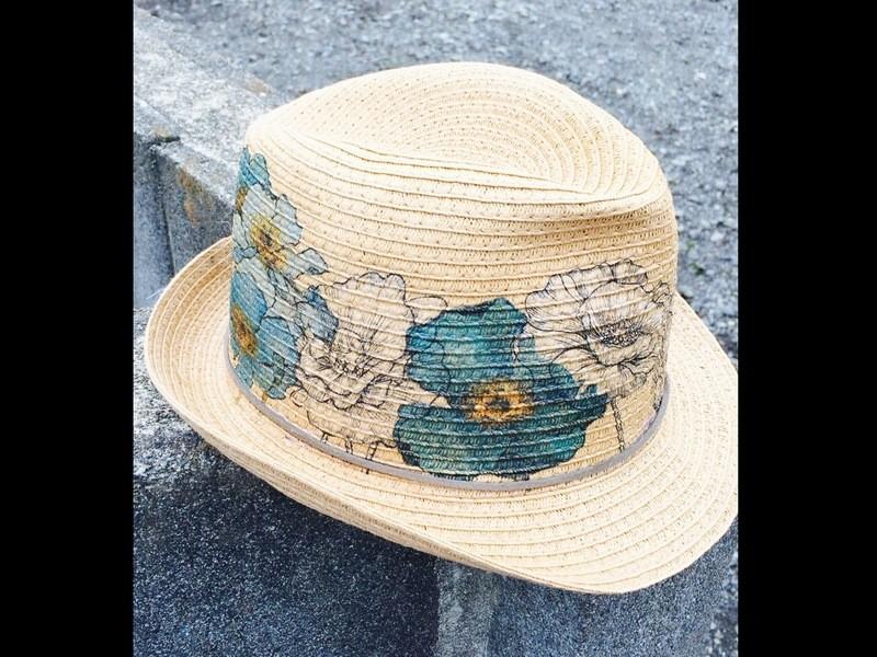 手持ち帽子アレンジOK!まるでプリントのようなデコパージュ帽子作りの画像