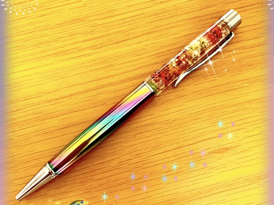 ハーバリウムボールペン作りの画像