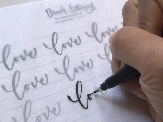 筆ペンモダンカリグラフィーでオリジナルポーチを作ろう!の画像