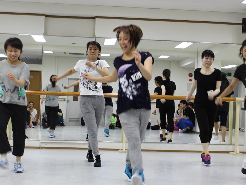 軽快なリズムとステップで楽しく踊っちゃおう!!ハウスダンス入門講座の画像