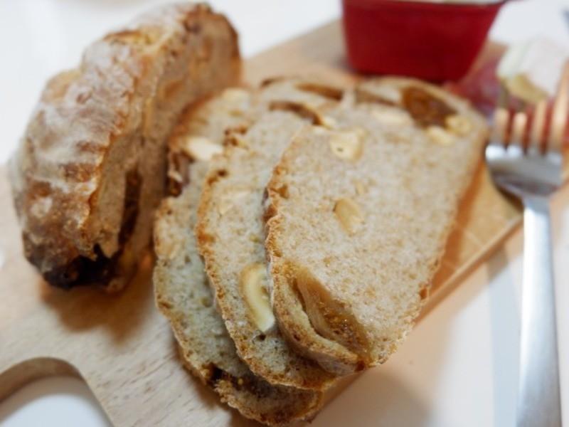 京都『はじめての天然酵母パン いちじくとナッツのカンパーニュ』の画像