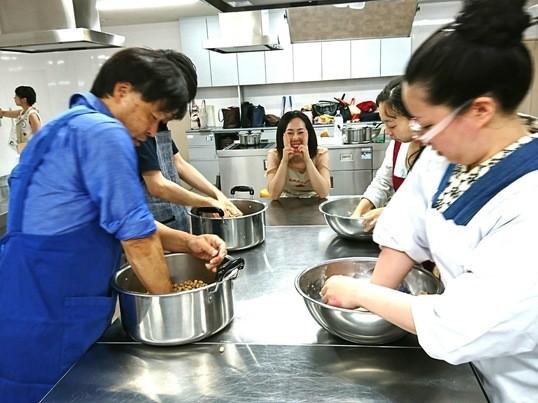 4種のオーガニック味噌食べ比べ&味噌玉作りの画像