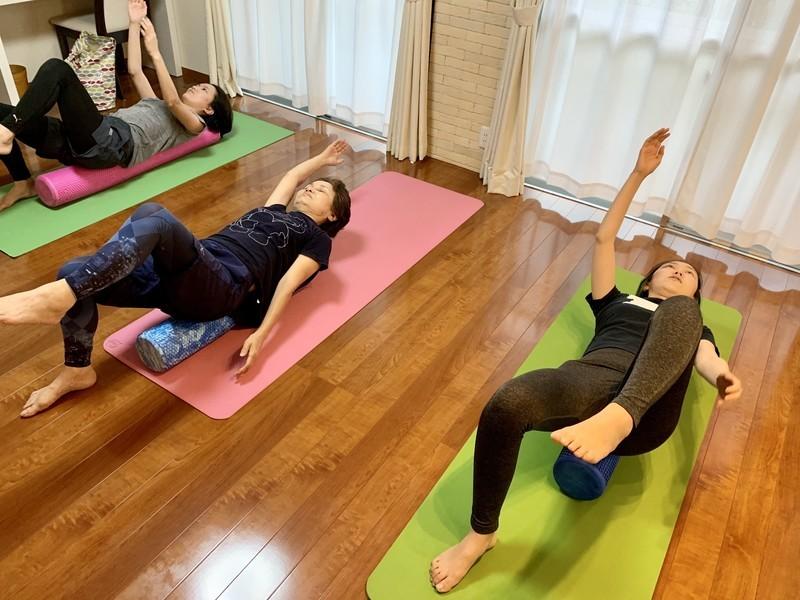 肩こり・腰痛を改善・安眠・熟睡のためのフォームローラーエクササイズの画像