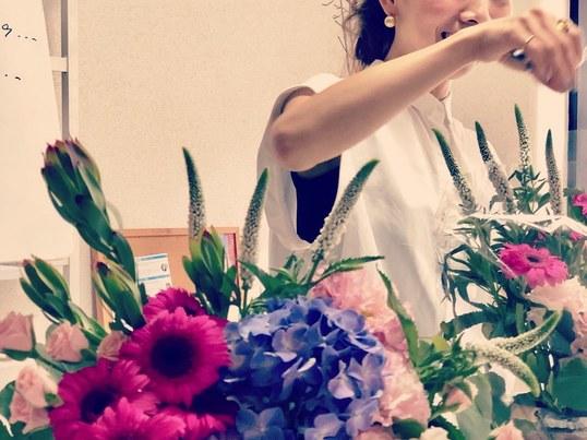 【月に一度のスペシャル企画!】オールイングリッシュ花教室の画像