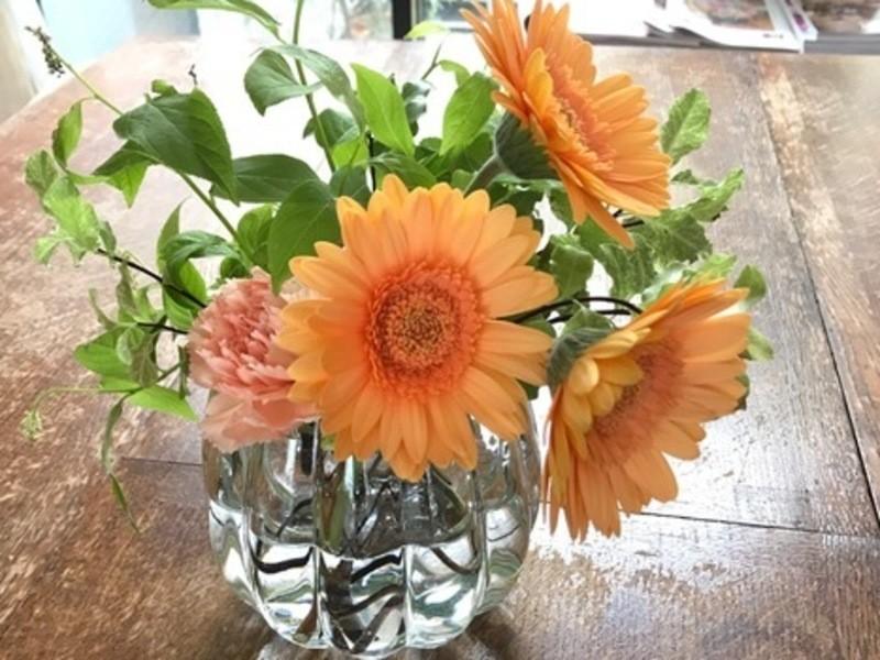 日本茶&ハーブと1輪の花を素敵に活けるボタニカルライフレッスン♪の画像