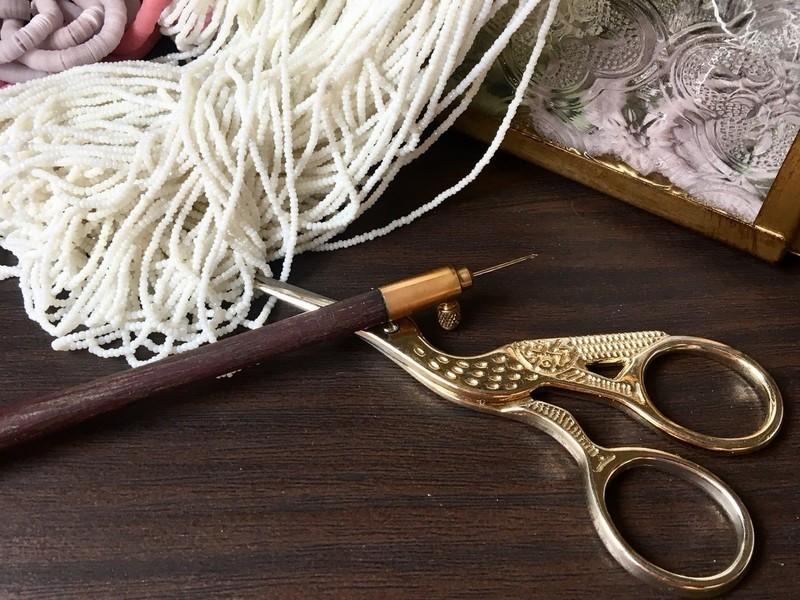 はじめてのリュネビル刺繍(クロッシェの使い方)の画像