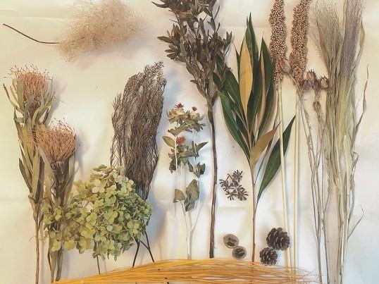 お庭づくりのプロと一緒につくる、自由な発想で束ねる秋色スワッグWSの画像