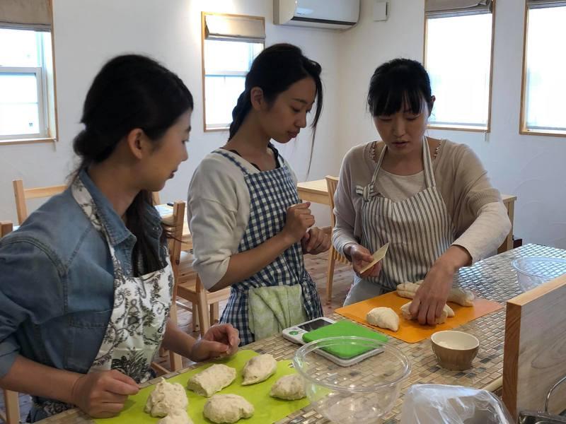 【千葉】こねないパン教室< 玄米甘酒のかぼちゃお惣菜パン> の画像