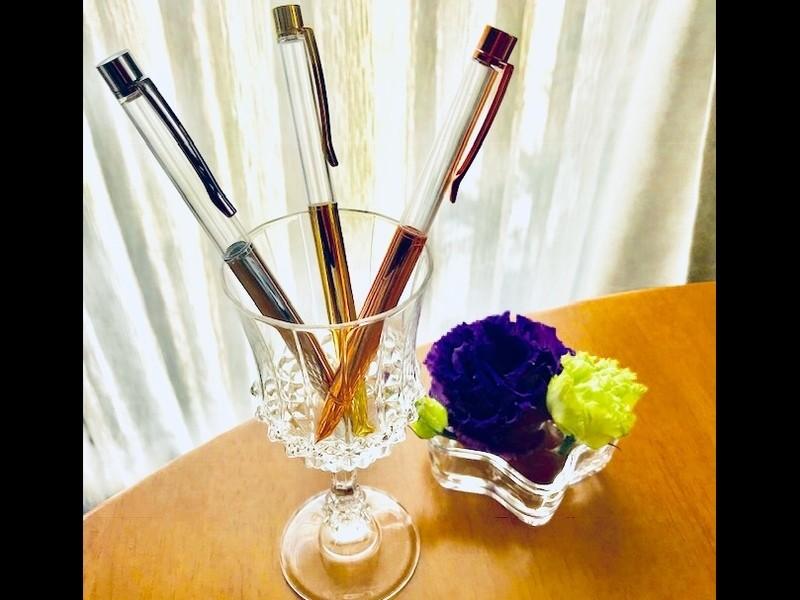 母の日のプレゼントにも最適、簡単可愛いハーバリウムボールペン!の画像