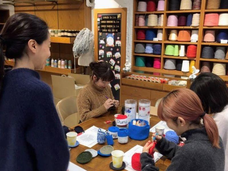 【初心者向け】コースターで覚えるかぎ針編みの基礎と円編みの法則の画像