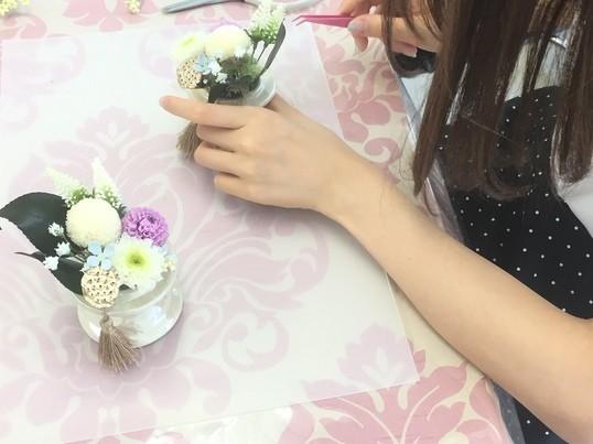 仏花・お供え花・プリザーブドフラワーで対にして制作しますの画像
