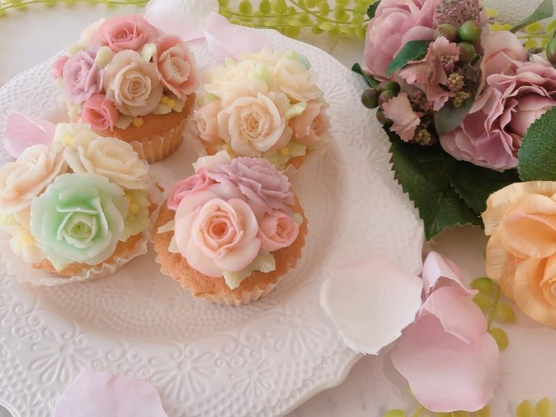 【家で作れるキット付】必ず作れるフラワーカップケーキ体験レッスンの画像