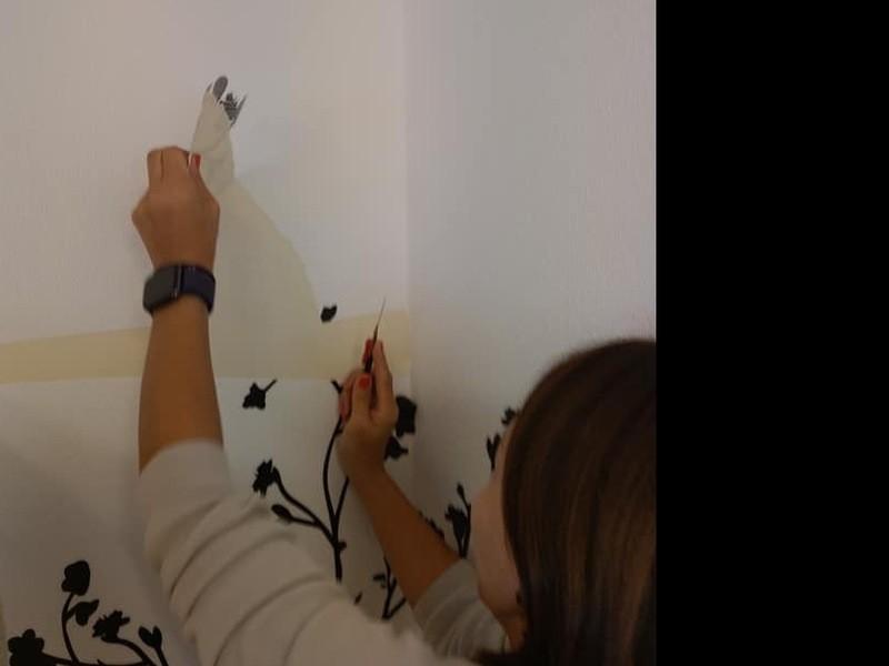 青山で壁紙ペタペタ 【貼りまくる講座】の画像
