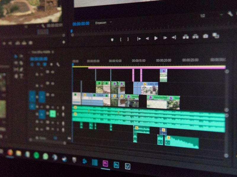 一眼ムービー撮影&動画編集 4hで1本の動画を完成させる実践講座の画像