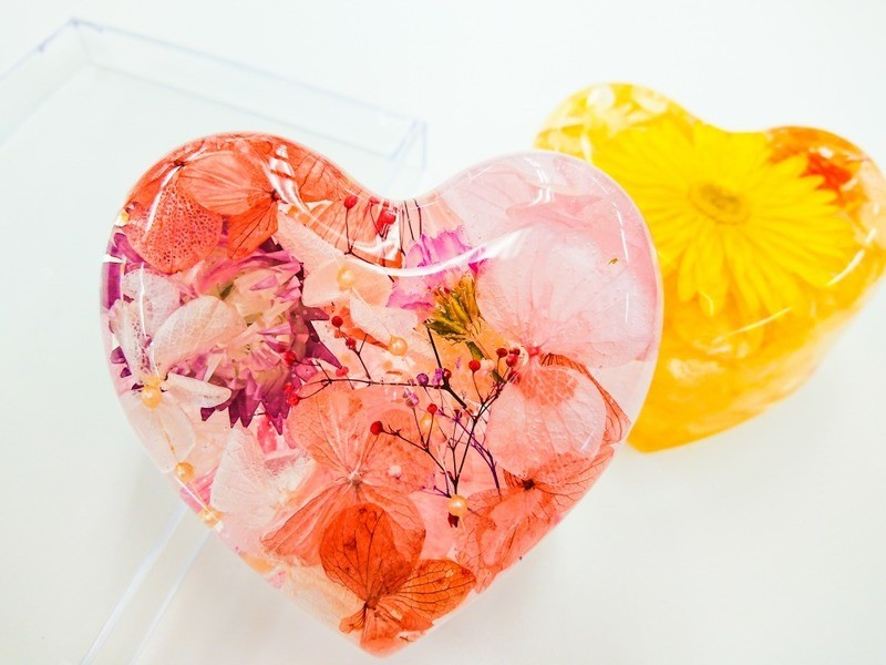 【選べる花材】ぷにぷに固まる!ハーバリウム体験レッスン🎵の画像