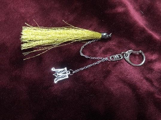 くるくるつくる博多織絹糸タッセルしっぽの本のしおりだにゃ〜の画像