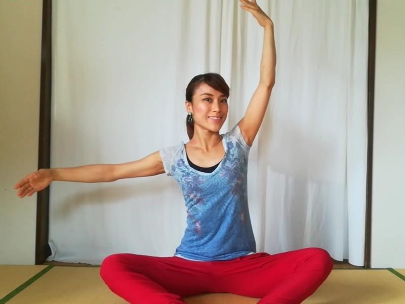 ゆる上半身バレエ&座ったまま全身ストレッチで運動不足解消の画像