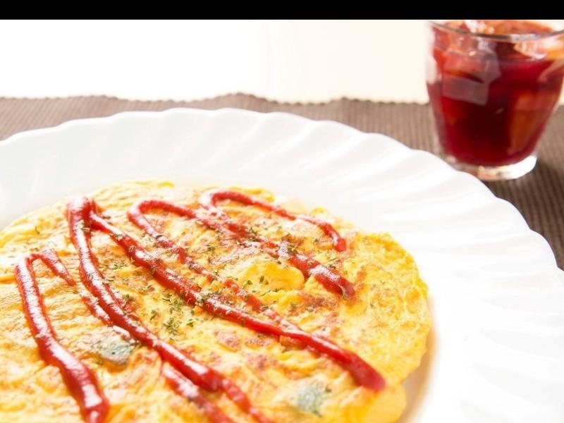 スペイン料理 ミックスパエリヤ スパニッシュオムレツ サングリアの画像