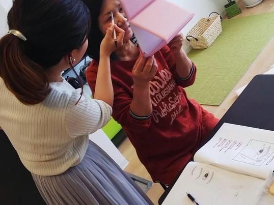 【堺東】これであなたも印象美人!美人眉レッスン♪の画像