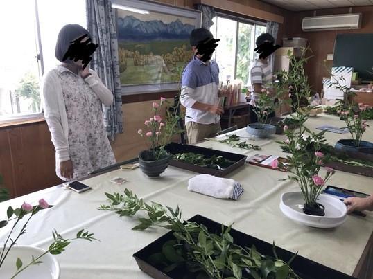 お花と朝活!軽食付き、堅苦しさ一切なしのカジュアル生け花体験会!の画像