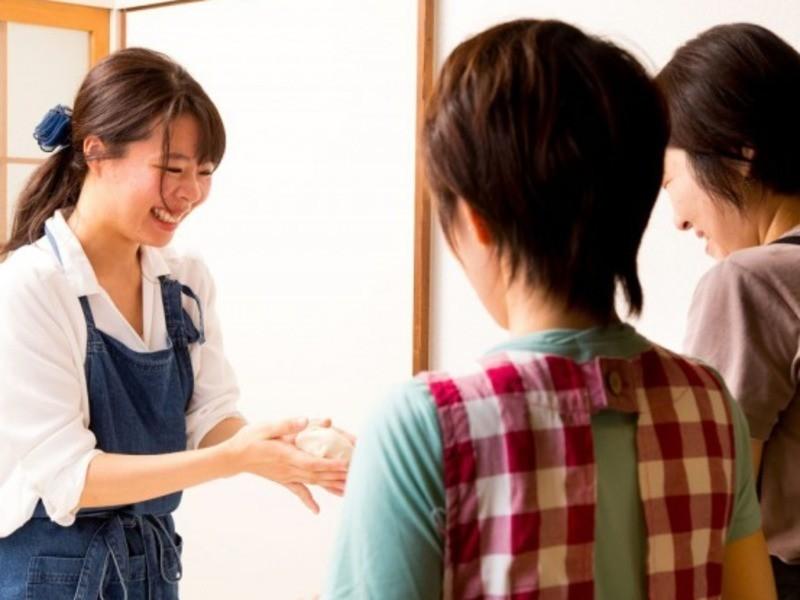 京都『天然酵母パンレッスン 生クリーム食パン』の画像