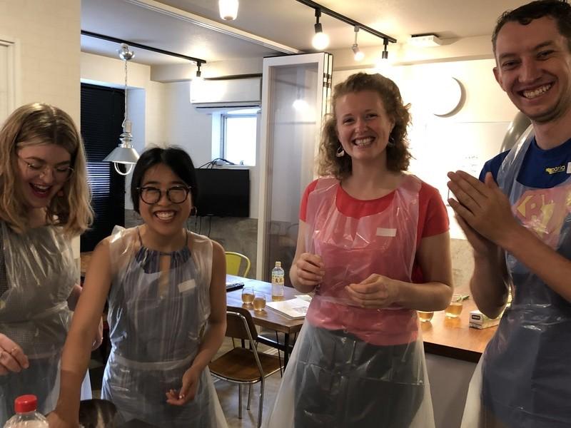 英語でクッキング 3種のお寿司、白玉もちとお味噌汁の画像