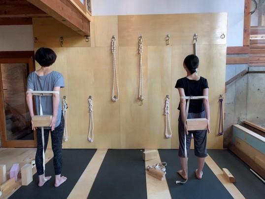 あなたの体に合わせた少人数制ヨガの画像