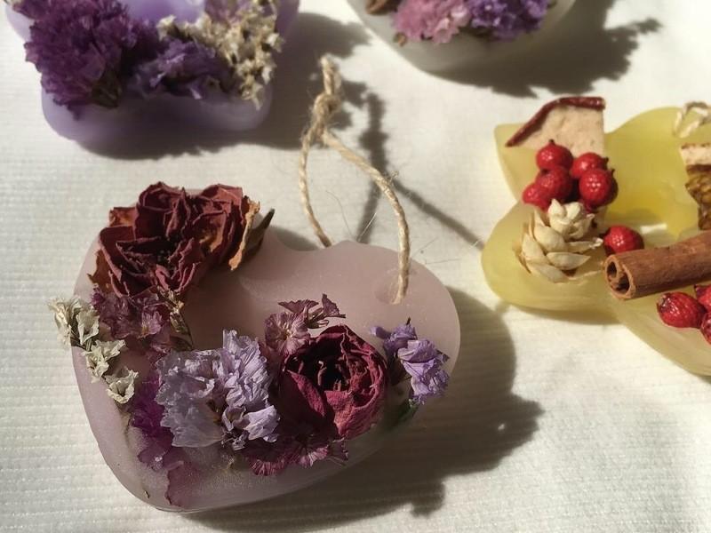 人気のキャンドルを自分で!「ボタニカルキャンドル&アロマサシェ」の画像