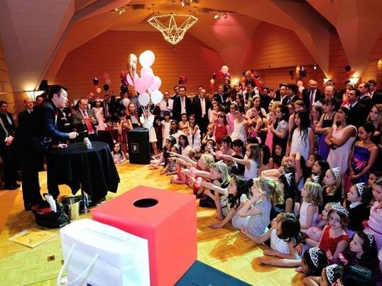 「マジックで忘年会で盛り上がろう」1回のみの楽しいマジック教室の画像