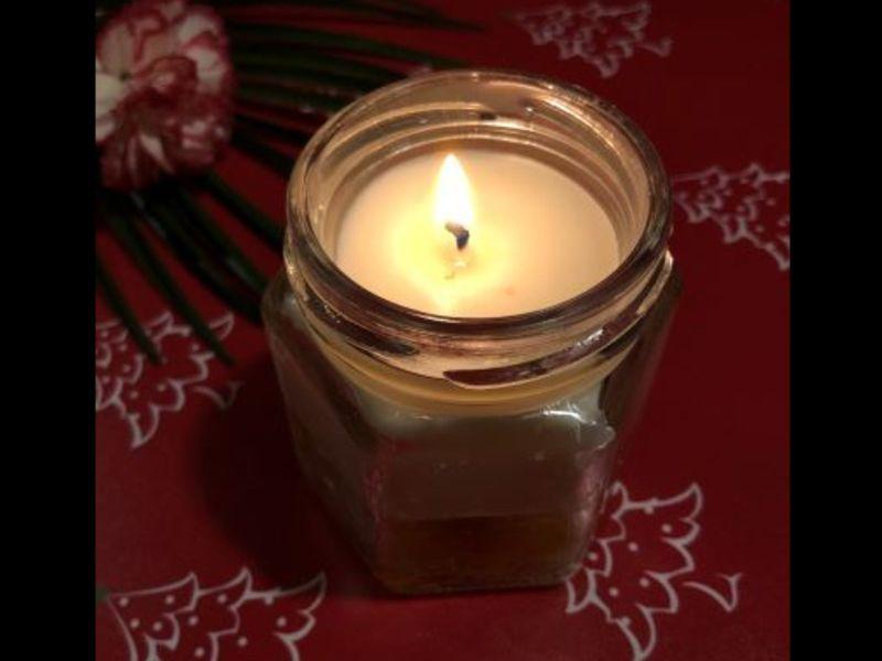 ゆれる焔で癒されるバイレイヤ・アロマキャンドル作りの画像