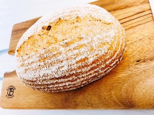 オーガニック全粒粉9割のパン・コンプレの画像