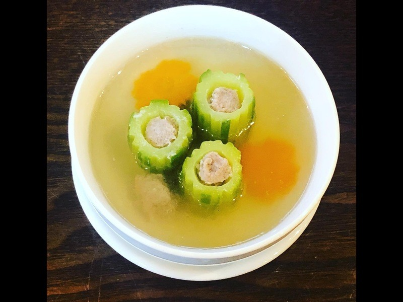 グリーンカレー炒飯&ナンプラー風味手羽先揚げ&肉入り胡瓜スープの画像